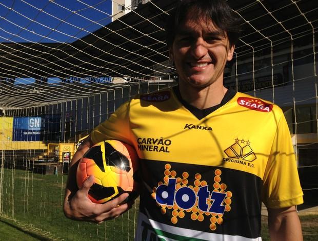 Matheus Ferraz zagueiro Criciúma (Foto: João Lucas Cardoso)