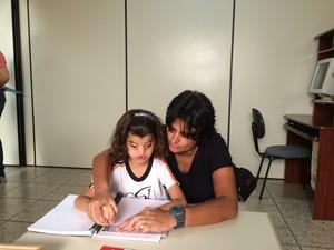 Yasmin com a mãe Elbe Araxá (Foto: Maritza Borges)