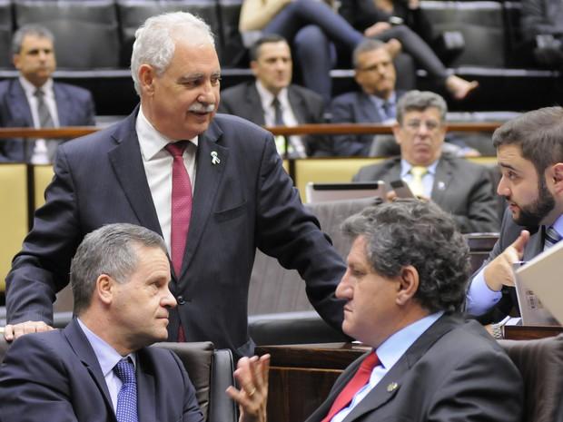 Deputados durante a votação do projeto na Assembleia Legislativa do Rio Grande do Sul (Foto: Marcelo Bertani/Agência ALRS)