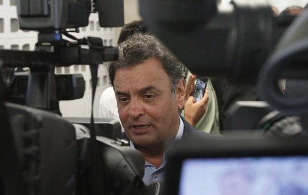 O SAMBA DOS TRÊS TUCANOS Aécio Neves é o escolhido por Fernando Henrique Cardoso para ser o candidato do PSDB em 2014. Desde janeiro, ele se reúne com políticos ligados a Fernando Henrique para forjar uma plataforma e um discurso. Precisa, no entanto, ven (Foto: Lucas Prates/Hoje em Dia/Folhapress)