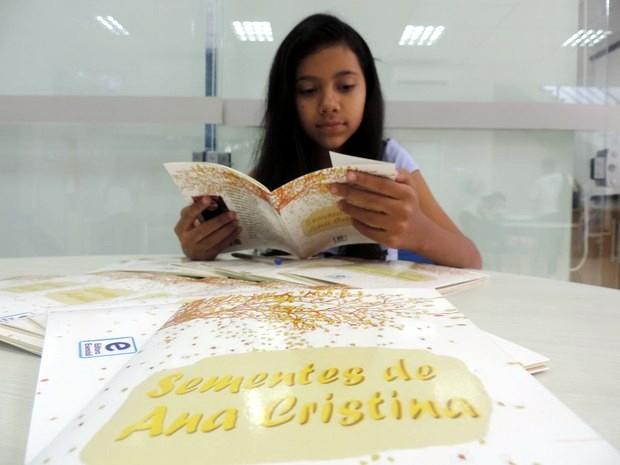Livros são vendidos em um shopping em Sorocaba (Foto: Carlos Dias/G1)