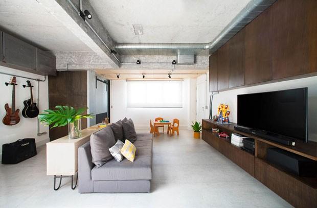 Um apartamento inspirado na obra de Lina Bo Bardi (Foto: Chris Farhat/Divulgação)