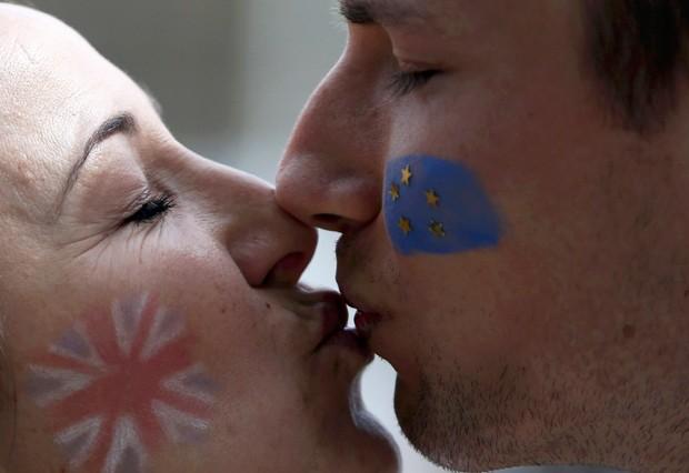 Eleitores britânicos decidem na quinta-feira em plebiscito se o país continua ou não a integrar a União Europeia (Foto: Neil Hall/Reuters)