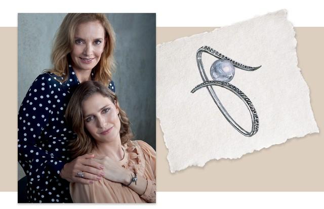 À esquerda, Paula, mãe de Antonia, exibe o anel da década de 20. À direita, a galerista usa o bracelete inspirado na joia e desenvolvido com espinélios e pérola South Sea (Foto: Rogério Cavalcanti)