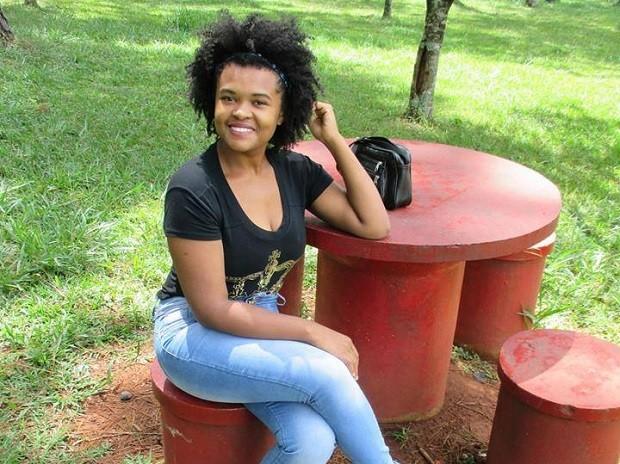A universitária Gilvanete Costa, que relata ter sofrido ofensa racista de cobrador de ônibus no DF (Foto: Gilvanete Costa/Arquivo Pessoal)