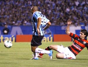 Anderson Pico, Grêmio e Atlético-Go (Foto: Renan Olaz / Futura Press)