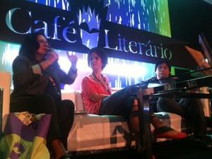 Literatura indígena foi debatida no Café Literário (Foto: Isabela Marinho/G1)
