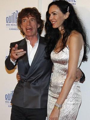 Mick Jagger e L'Wren Scott, no festival de Cannes, em 2010 (Foto: Reuters)