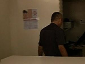 Médico cubano depõe e nega que abusou de pacientes grávidas em Luziânia, Goiás (Foto: Reprodução/TV Anhanguera)