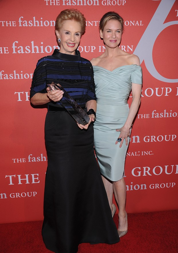 NEW YORK, NY - OCTOBER 25:  Carolina Herrera and  Renee Zellweger attend the 29th Annual Fashion Group International Night Of Stars at Cipriani Wall Street on October 25, 2012 in New York City.  (Photo by Dimitrios Kambouris/Getty Images) (Foto: Getty Images)
