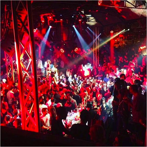 A festa de inauguração da boate de Lindsay Lohan (Foto: Instagram)