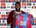 """Crystal Palace apresenta Adebayor, """"especialista"""" no Campeonato Inglês"""