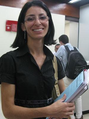 A recepcionista Dalva dos Santos ganhou R$ 2 mil de indenização. (Foto: Simone Cunha/G1)