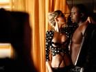William Blackout no Paparazzo: 'Quero fazer sexo com duas ao mesmo tempo'
