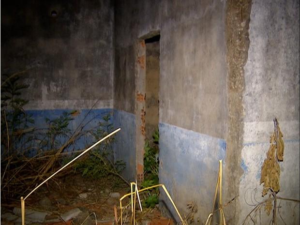 Casa no Aureny III, local em que mulher foi assassinada  (Foto: Reprodução/TV Anhanguera)