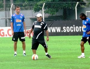 Muricy Ramalho no treino do Santos (Foto: Marcelo Hazan / Globoesporte.com)