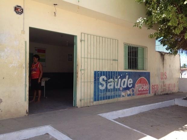 Posto reabriu as portas, mas atendimento continua suspenso (Foto: Micaelle Morais/G1)