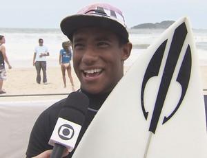 Wesley Santos foi o destaque do A Tribuna Surf Colegial (Foto: Reprodução / TV Tribuna)