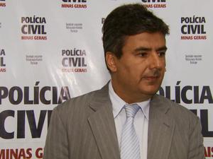 Delegado regional afirma que o suspeito fraudava plailhas para realizar os furtos (Foto: Reprodução EPTV)
