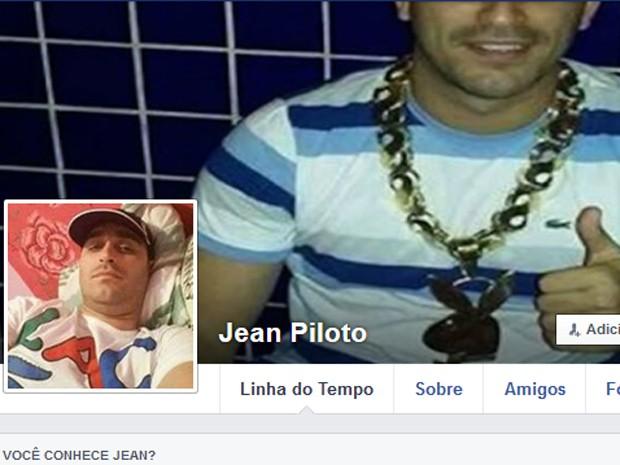 Fotos de Playbou no pefil de Jean Piloto (Foto: Reprodução / Facebook)
