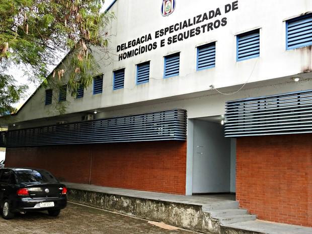 Delegacia Especializada em Homicídios e Sequestros investiga caso (Foto: Suelen Gonçalves/ G1 AM)