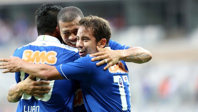Nilton gol Cruzeiro (Foto: Cristiane Mattos / Ag. Estado)
