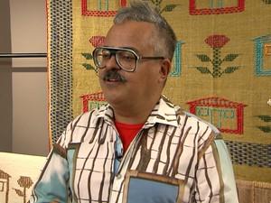 Ronaldo Fraga fala sobre o processo de criação de suas coleções (Foto: Reprodução/ TV Globo)