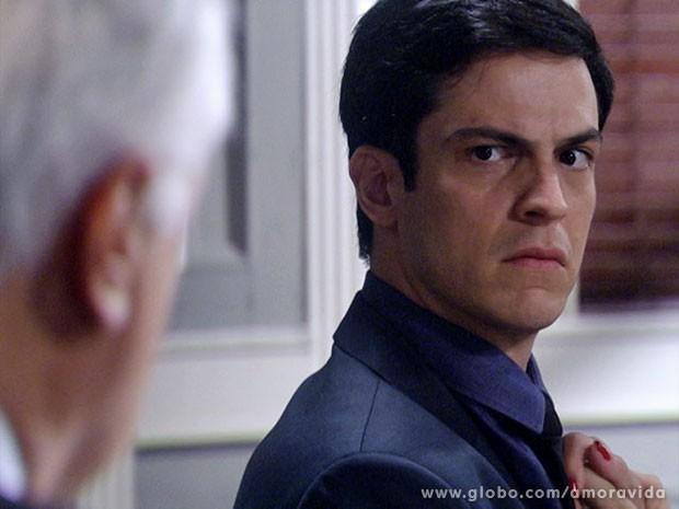 Pois é, Félix, a barra pesou para o teu lado... (Foto: Amor à Vida/ TV Globo)