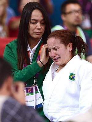 Maria Portela lamenta derrota na luta de judô em Londres (Foto: AFP)