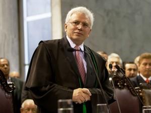 Durval Amaral foi cinco vezes deputado estadual e até as eleições para conselheiro ocupava o cargo de secretário chefe da Casa Civil do Paraná (Foto: Divulgação/ TC-PR)