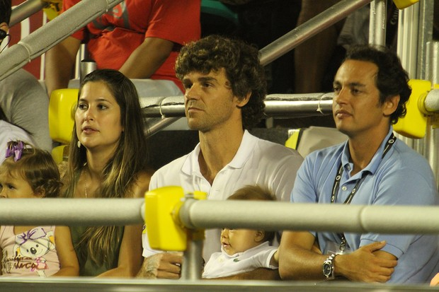 Guga e a mulher Mariana Soncini nas semi finais do Rio Open (Foto: AGi9/PHOTO RIO NEWS)