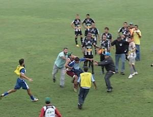 briga - Votuporanguense x Fernandópolis (Foto: Reprodução / TV Tem)