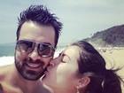 Grávida, Priscila Pires curte Floripa com o marido