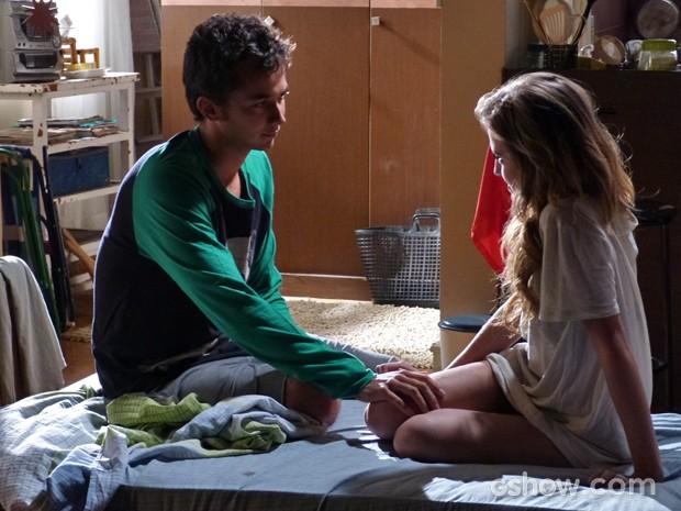 Sofia diz para Ben que já podem assumir o namoro deles (Foto: Malhação / TV Globo)
