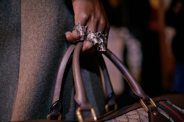 Anel da Gucci com formato de lobo (Foto: Divulgação)