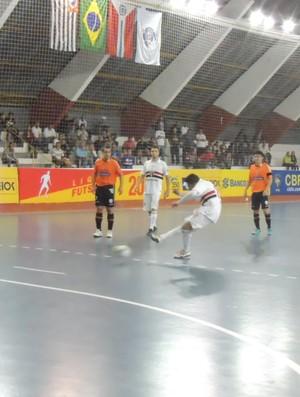 São Paulo/Suzano Carlo Barbosa Liga Futsal (Foto: Thiago Fidelix)