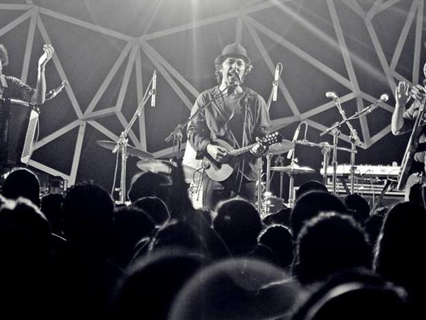 Banda Toco Y Me Voy estreia terceira edição do Circuito Música Bahia (Foto: Heder Novaes/Divulgação)