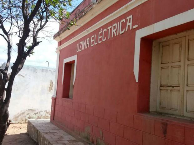 Antigo prédio da usina elétrica de Lucrécia, inaugurado em 1933 (Foto: Fred Carvalho/G1)