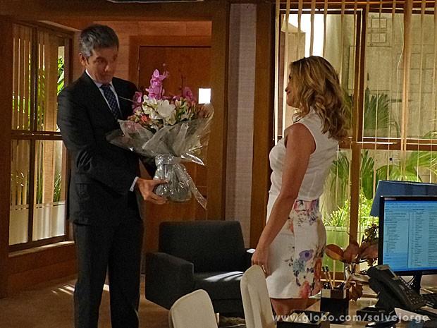 Érica e Haroldo em clima de romance (Foto: Salve Jorge/TV Globo)