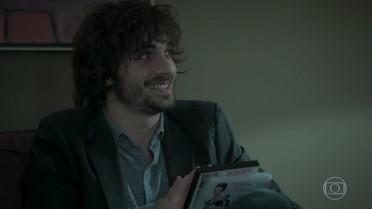 Eugênio entrega a Ruy os filmes indicados por Irene