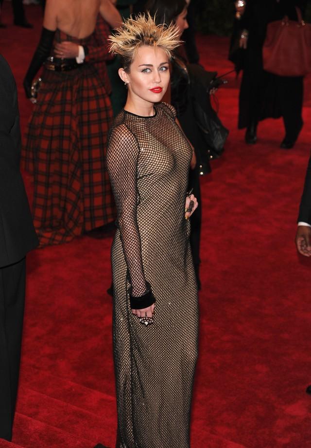 Miley Cyrus no Met Gala 2013 (Foto: Getty Images)
