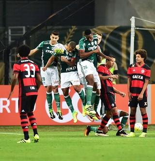 Palmeiras x Flamengo Moisés (Foto: Marcos Ribolli)