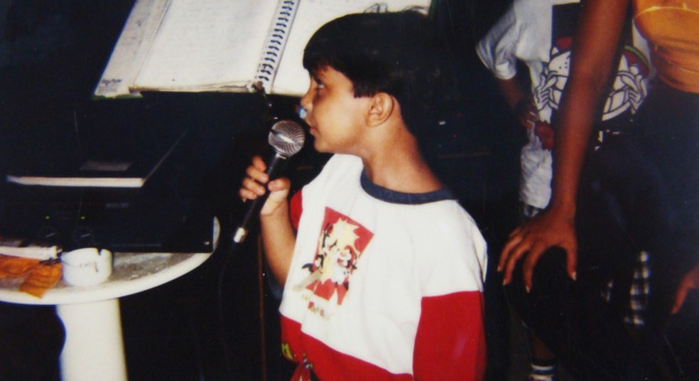 Ainda criança, Luan dá um show cantando (Foto: Arquivo Pessoal)