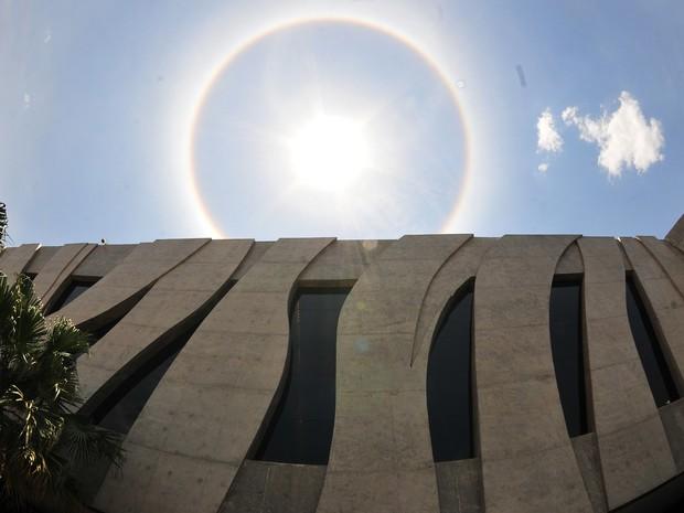 Fachada do Superior Tribunal de Justiça, em Brasília, durante dia iluminado (Foto: STJ/Divulgação)