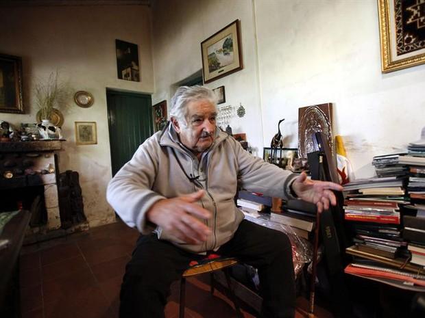 Mujica prefere viver em sua velha casa a ocupar a residencia oficial da presidência (Foto: Agência EFE)