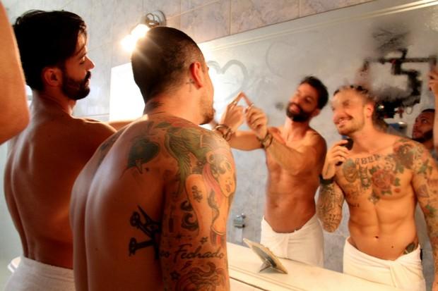 Felipe Titto interpreta homossexual em clipe (Foto: CLEOMIR TAVARES / Divulgação)