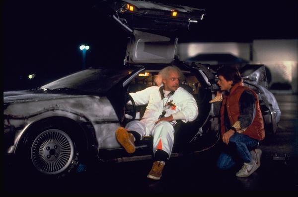 Christopher Lloyd e Michael J. Fox em cena de De Volta Para o Futuro (1985) (Foto: Reprodução)