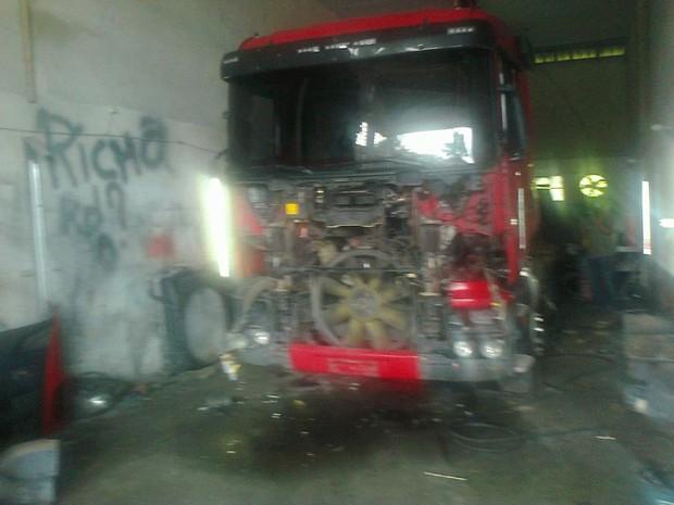 Local foi identificado por meio do localizador do caminhão roubado (Foto: Cinthia Raasch/RBS TV)
