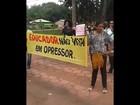 Servidores da educação protestam por falta de pagamento em Belterra