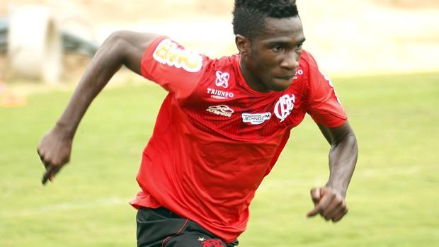 Negueba treino Flamengo (Foto: Márcia Feitosa/VIPCOMM)